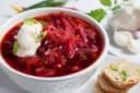 rote-beete-suppe-essen