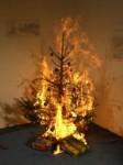 xmas-weihnachtsbaum-feuer-brand